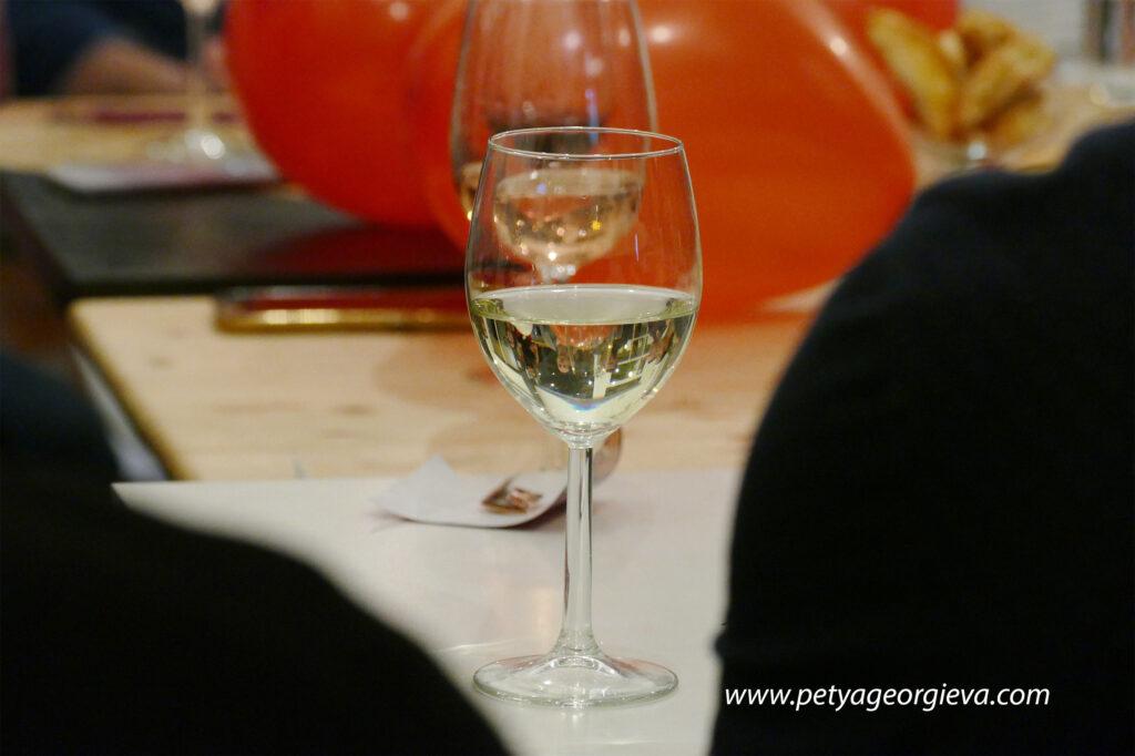 Игри и вино за необвързани