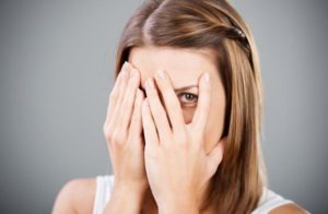 pritesnenie, kriza, stres